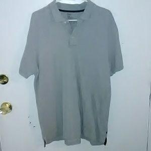 Gap gray polo shirt  (BG64)